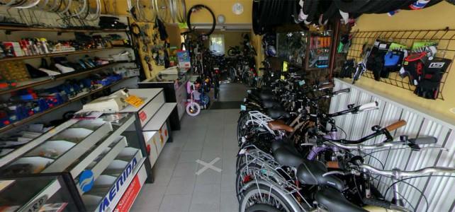 Street view po sklepie rowerowo – wędkarskim